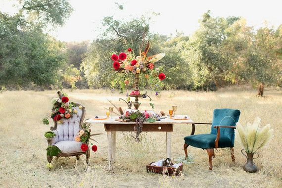 Vintage fall lounge area | Wedding & Party Ideas | 100 Layer Cake