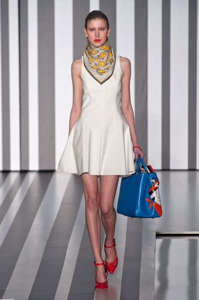 London FW FW 2014/15 – Anya Hindmarch. See all fashion show on: http://www.bmmag.it/sfilate/london-fw-fw-201415-anya-hindmarch/ #fall #winter #FW #catwalk #fashionshow #womansfashion #woman #fashion #style #look #collection #LondonFW #anyahindmarch @Anya Hindmarch