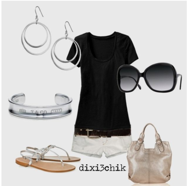 Black tee outfits are great to look stylish and stay casual.
