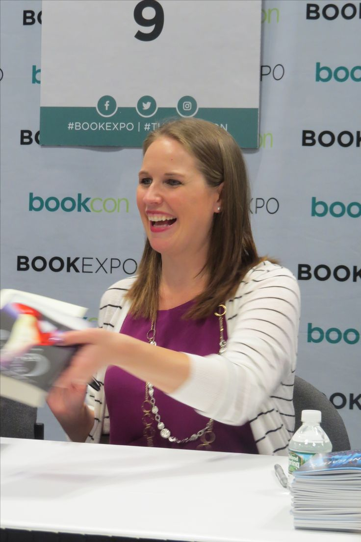 Author Sarah Dessen at BookExpo 2017 in NYC