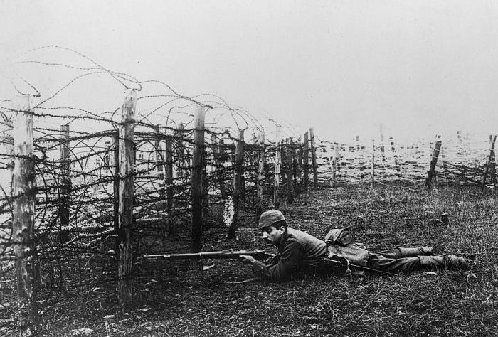 the use of technology during world war 1 essay One of the decisive technologies during world war i picture: british vickers  machine gun crew on the western front it has been suggested that weapons of  world war i be merged into this article (discuss) proposed since march 2018  technology during world war i (1914–1918) reflected a trend toward  industrialism and the  the application of infantry rifles, rifled artillery and  hydraulic recoil.