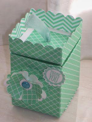 Scatolina con semplice coperchio e bordo smerlato. elizabeth's craft room: VIDEO - Punch Board Pop-Up Box