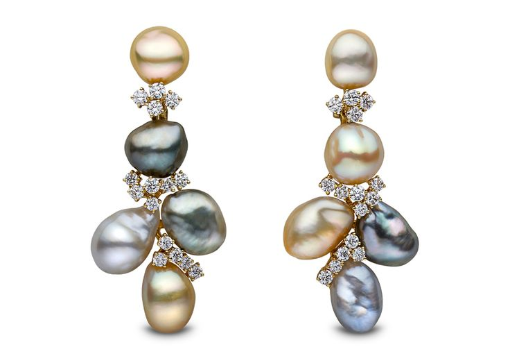 Yoko London 18kt yellow gold earrings featuring 10-11mm natural colour baroque keshi pearls and 2.64cts diamonds.