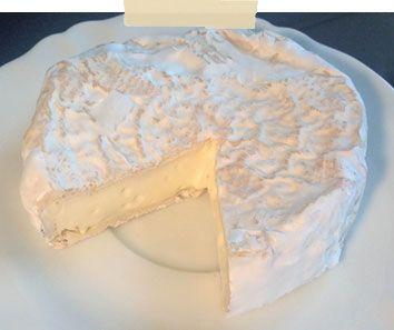 Camembert fait maison recette  4 camemberts de 250 à 300g  Chauffer à 66°C le lait cru et le refroidir à 40° C, ou chauffer à 40° C le lait déjà pasteurisé et stérilisé.