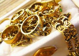 Sell Gold Jewellery, Sell Gold : Tactics for Selling Gold Jewellery : Uncertainty in the monetary market is inspiring various financiers to hoard gold, one of the most cashable belongings.For a a great deal of folks, this is the excellent time to market gold jewelry that has shed its charm.
