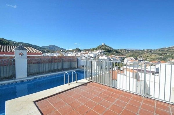 3 Bedroom Apartment for sale in Monda - £76,605