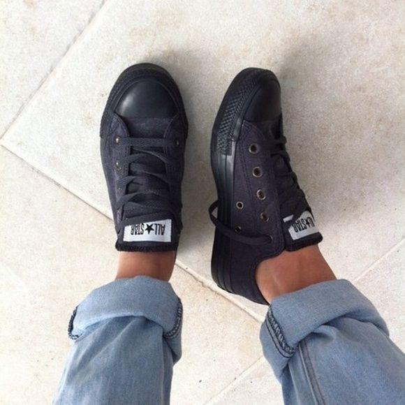 dd48a58adfdc all black converse low tops