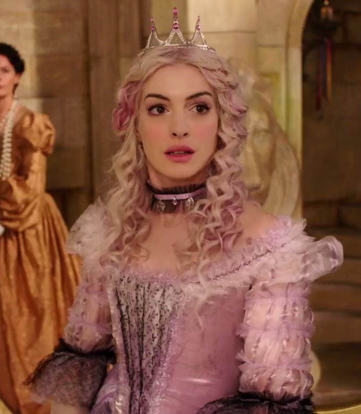 Alice Through The Looking Glass: The White Queen (young