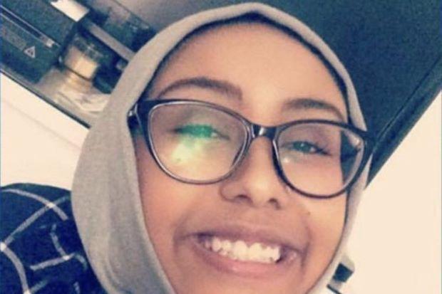 Remaja dipukul dan dibunuh selepas berbuka hanya kerana dia seorang Muslim   SEORANG remaja ditemui mati selepas dipukul dan dibunuh sebaik sahaja pulang dari masjid.  Remaja dipukul dan dibunuh selepas berbuka hanya kerana dia seorang Muslim  Sebelum itu Nabra Hassanen 17 telah berbuka puasa di sebuah restoran bersama rakan-rakannya.  Selepas mereka meninggalkan restoran tersebut mereka dilaporkan telah didatangi seorang pemandu.  Remaja perempuan itu didakwa telah diserang dan mayatnya…