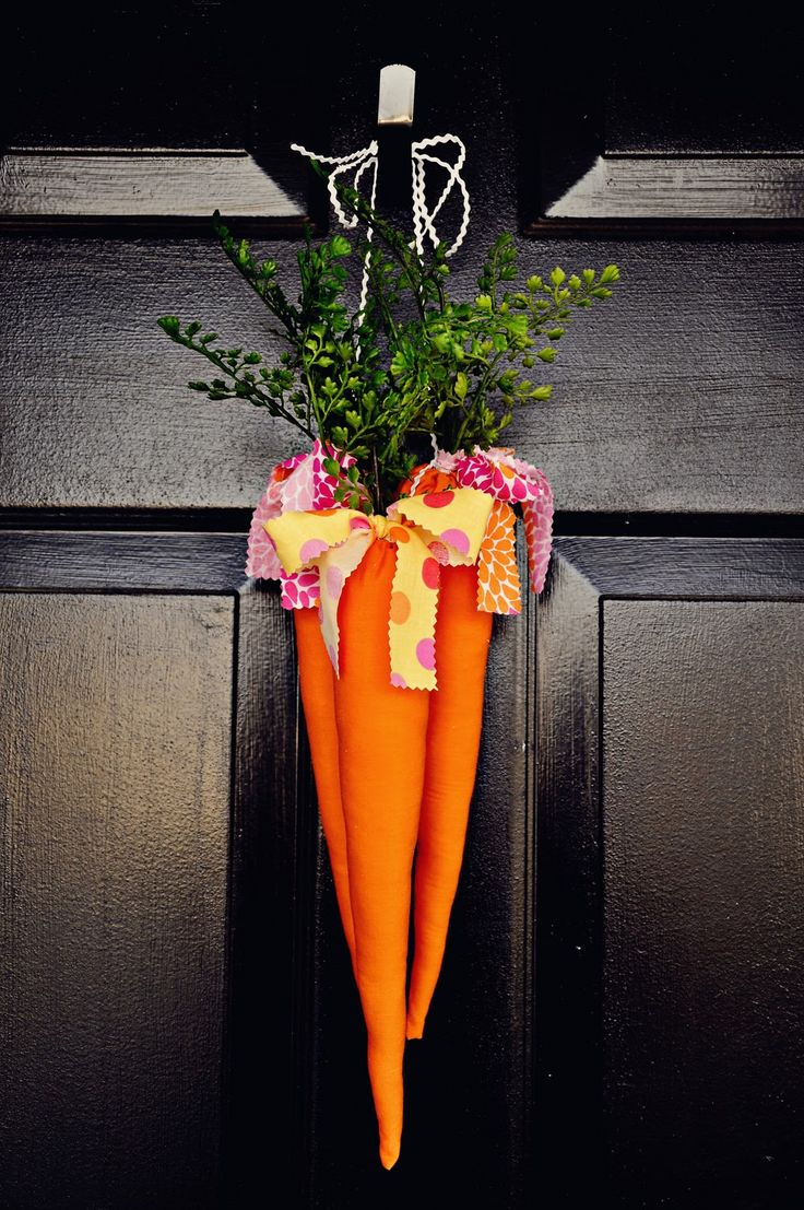 Adorable wreath for Easter.  The Ballard Bunch: {fabric carrots}