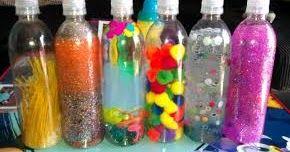 Estas botellas son perfectas como actividad de estimulación sensorial para niños de todas las edades y discapacidades.