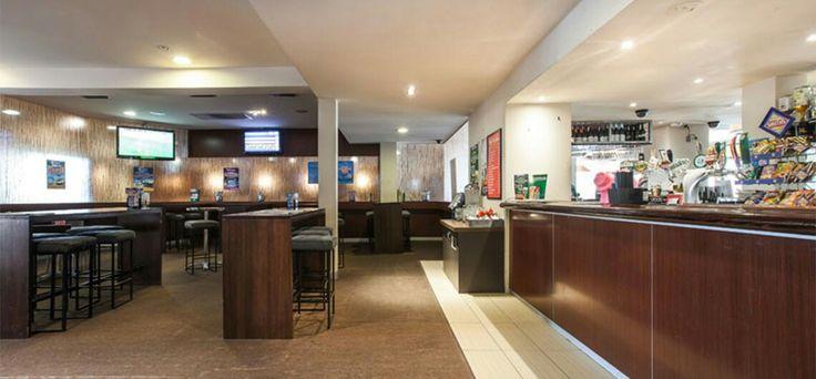 Malvern hotel $13 pot and parma everday plus free pool mondays