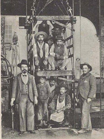 1900, Lota