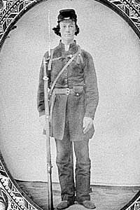 """2/3 This is the uniform for an American confederate soldier. During the Civil War, Confederate uniforms were gray kepi, jacket and trousers. Due to weathering, they started to have a light brownish color. Southern soldiers got the nickname """"Butternuts"""" as a result."""
