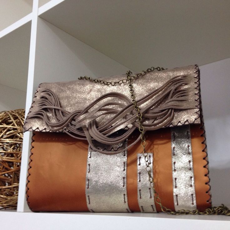 Unique design! Stylized fringes and a cool color mix! #handmade #stylish #bag For prices in euro, please leave a message!
