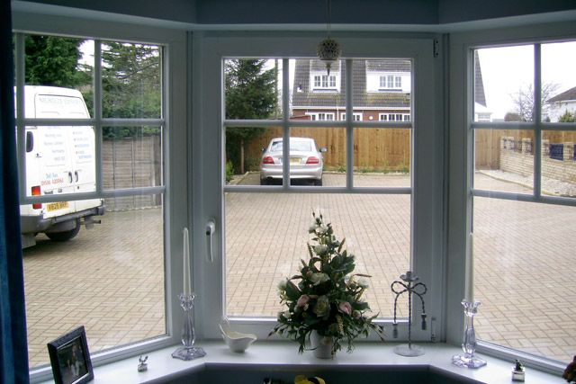 Check out http://www.homewindowsprices.com/ for replacement windows and the best windows prices.