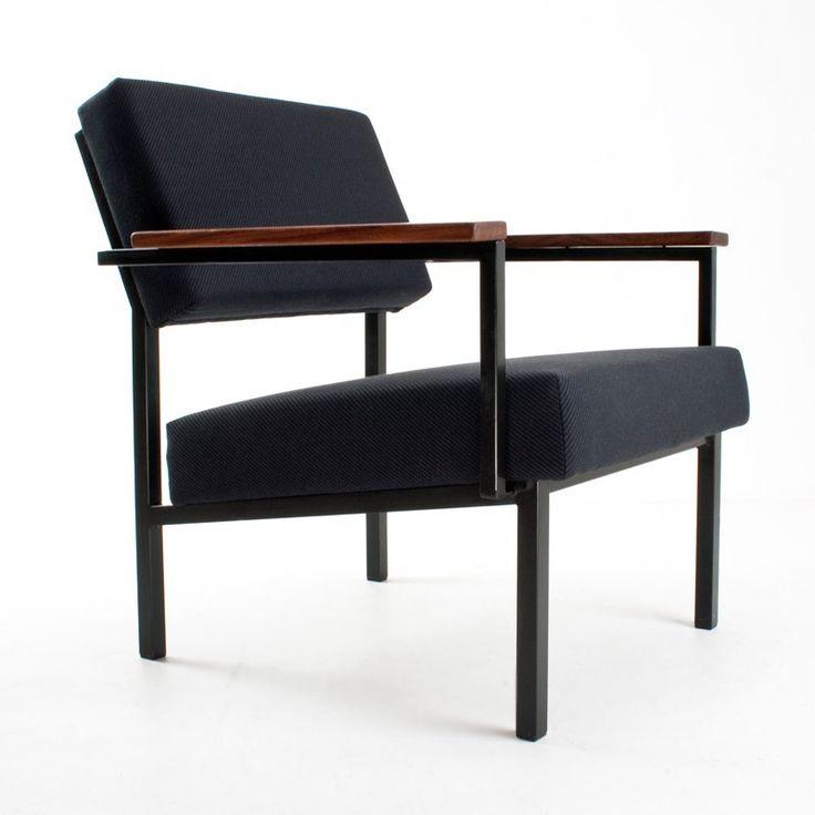Located using retrostart.com > 36DLA Lounge Chair by Gijs van der Sluis for Van der Sluis Stalen Meubelen