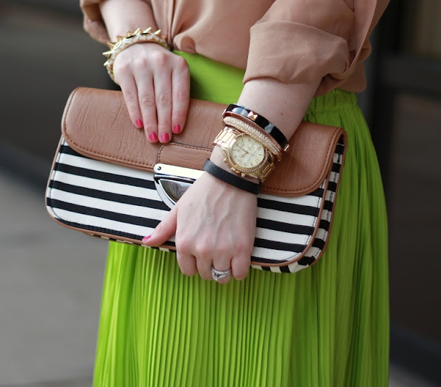 : Nude, Outfits Inspiration, Outfits Posts, Outfits Snip It, Outfit Posts, Straps Purse