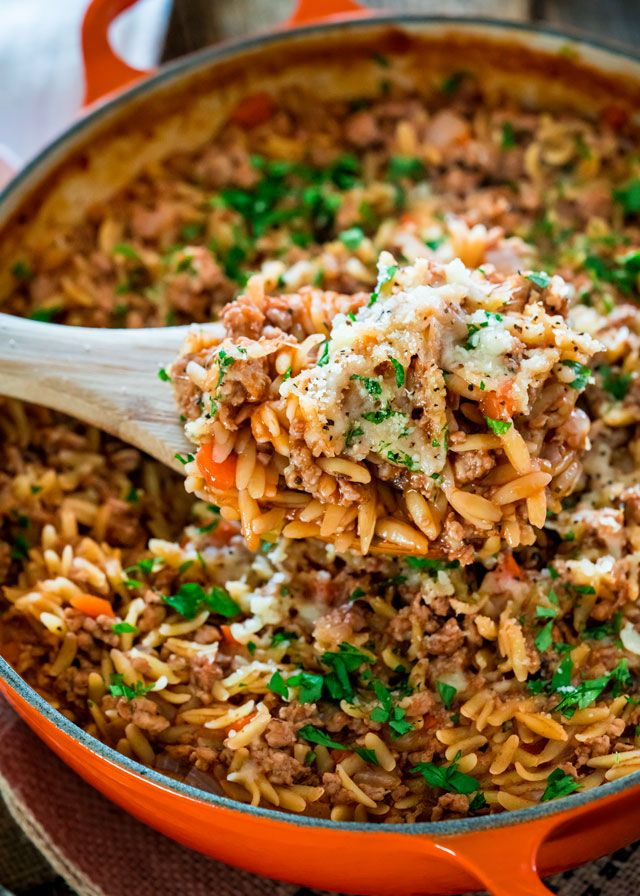 One Pot Spicy Pork Ragu with Orzo - this deeply flavored spicy pork ragu with orzo makes for a delicious and comforting dinner. So simple and ready in just 30 minutes.