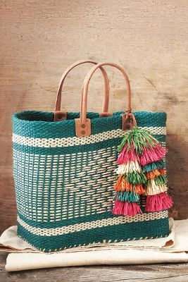 H-A-L-E.COM THE QUINTESSENTIAL BEACH BAG pick - Mar y Sol Cape Peninsula Tote - #HALE #30DaysOfSummer