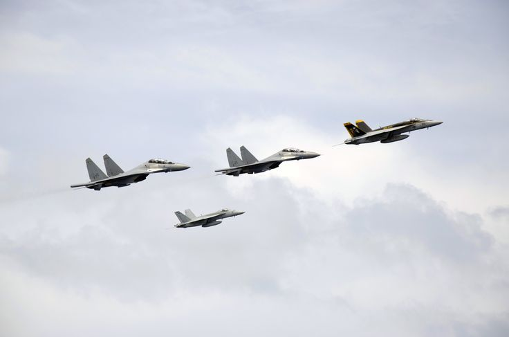 Two F-A-18 Super Hornets and two Royal Malaysian Air Force SU-30MKM-Flankers [4928 × 3264]