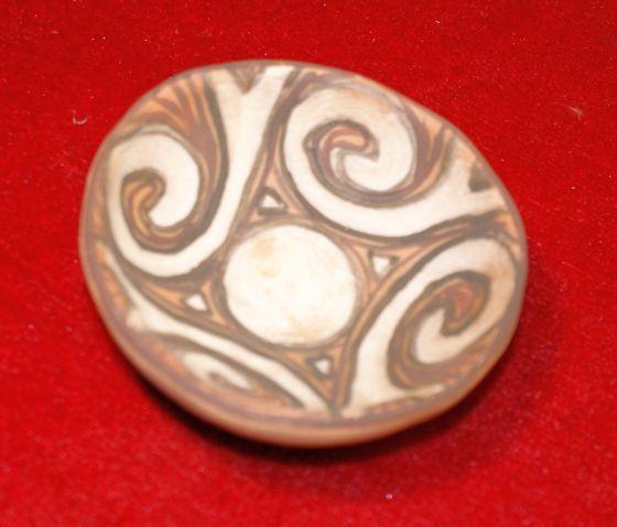 Castron ceramic Cucuteni, in miniatura