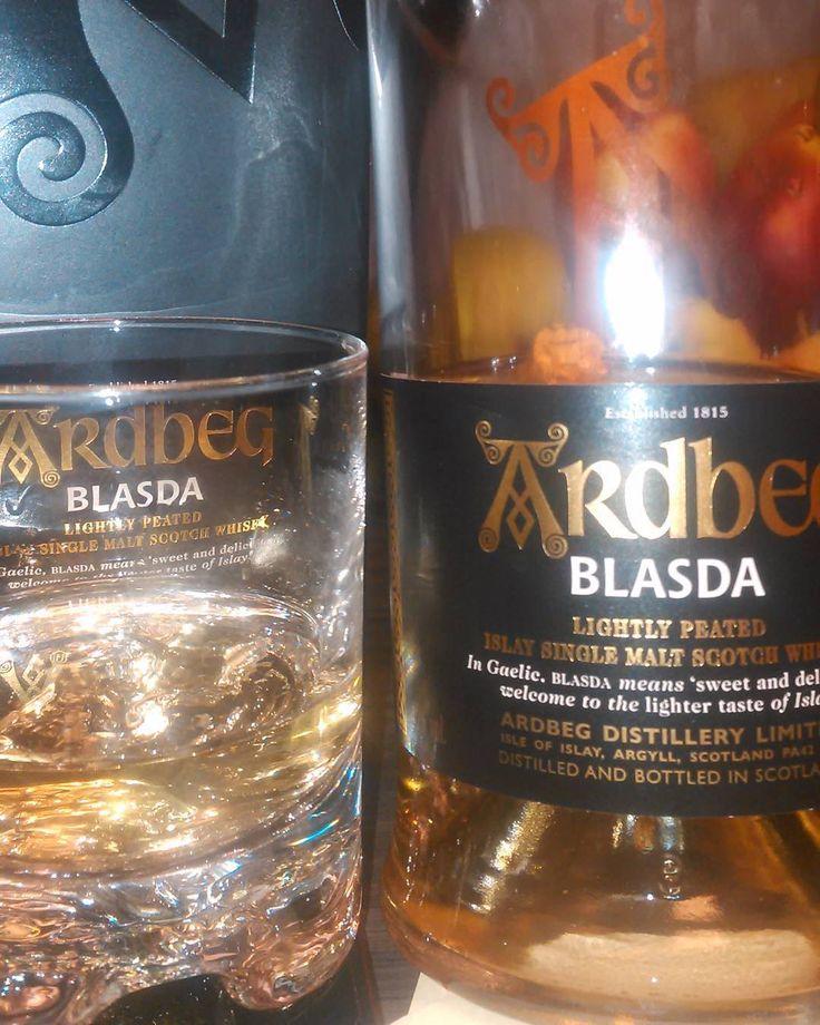 Syyslomaherkku. Holiday treat. Love tha taste.  #ardbeg #blasda #scotchsinglemaltwhisky