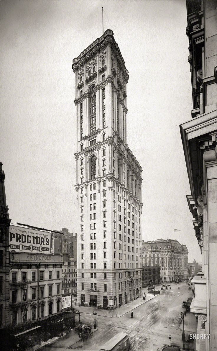 """Manhattan circa 1906. """"Times Building,"""" which gave the former Longacre Square its current name.  Photoprint by Irving Underhill.  Shorpy Historic Picture Archive"""