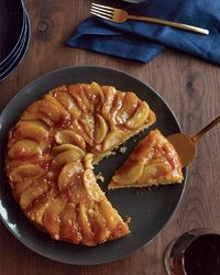 Maple-Apple Upside-Down Cake Recipe from Food & Wine: Desserts Recipes, Upsidedown Cakes, Maple Apples Upside Down, Mapleappl Upsidedown, Cakes Recipes, Upside Down Cakes, Maple Syrup, Cake Recipes, Apples Cakes