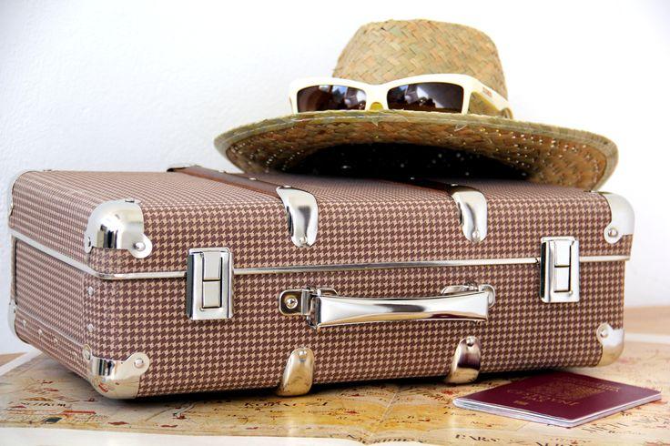 #Kazeto riveted suitcase