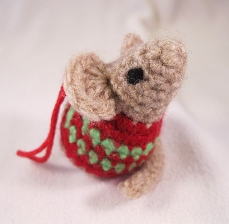 Knitting Patterns For Christmas Mice : 1000+ ideas about Crochet Mouse on Pinterest Crocheting, Amigurumi and Free...