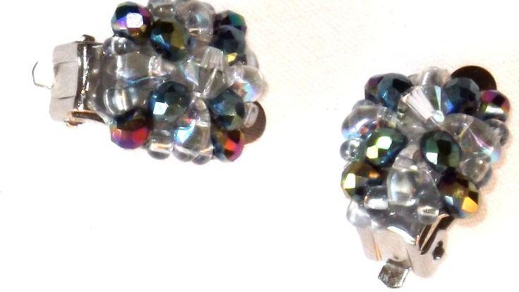 Modern little earrings, Dark Green Swarovski, clips earrings di ArtigianatoLiliana su Etsy