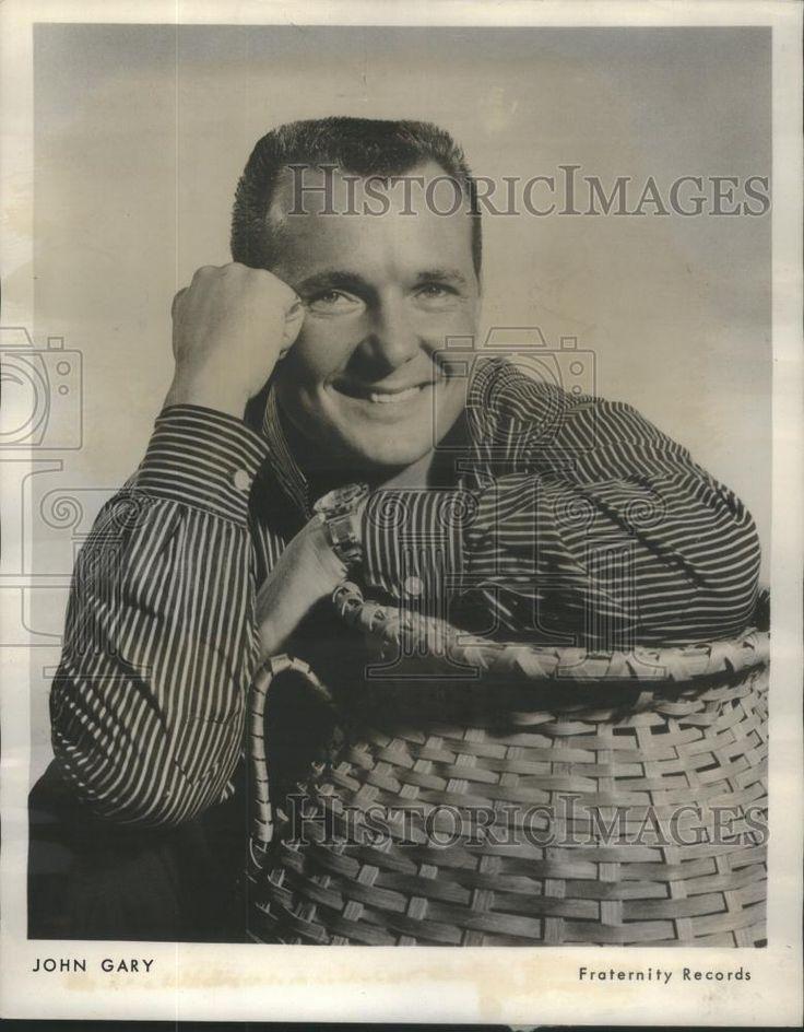 1959 Press Photo John Gary President birthday party International Music fair
