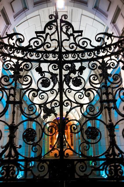 Iron gates (Glasgow, Scotland)