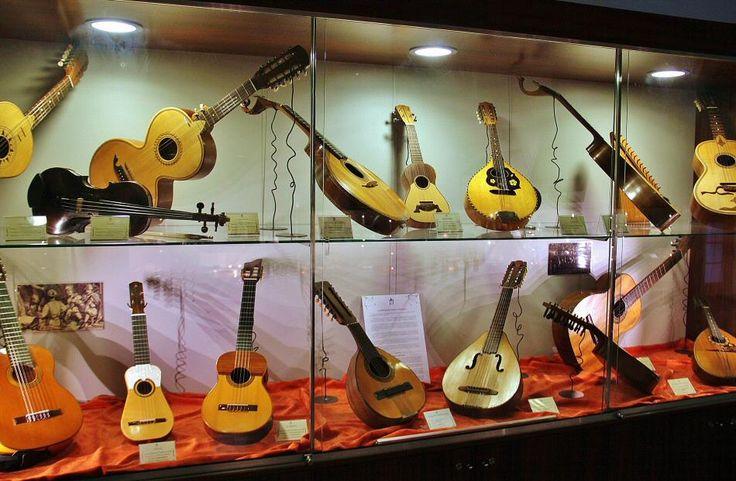 Instrumentos de música tradicionales en el aula museo Paco ...