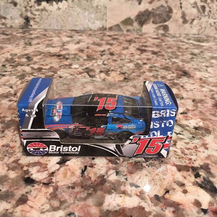 2015 Bristol Motor Speedway Food City 500 1:64 Die Cast Car #Action