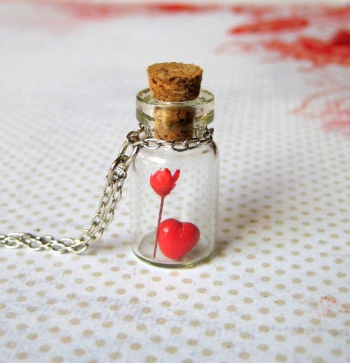 super cute necklace from etsy.: Sales Jewelry, Mom Jewelry, Heart Jewelry, Mothers Day Ideas, Hlhs Heart, Heart Necklaces, Spring Jewelry, Fancy Jewelry, Bottle Necklaces