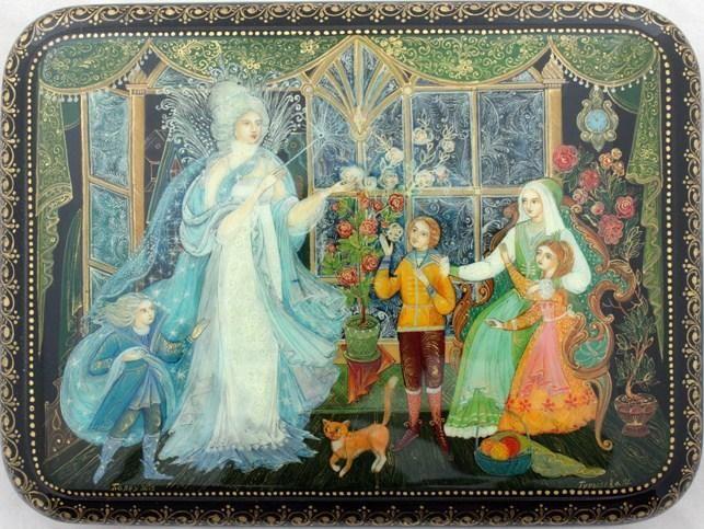 Palekh Box  Title: Snow Queen  Artist: Gureleva  Size (cm): 2x12.5x9  Size (inches): 0.75x5x3.5  Price: 475
