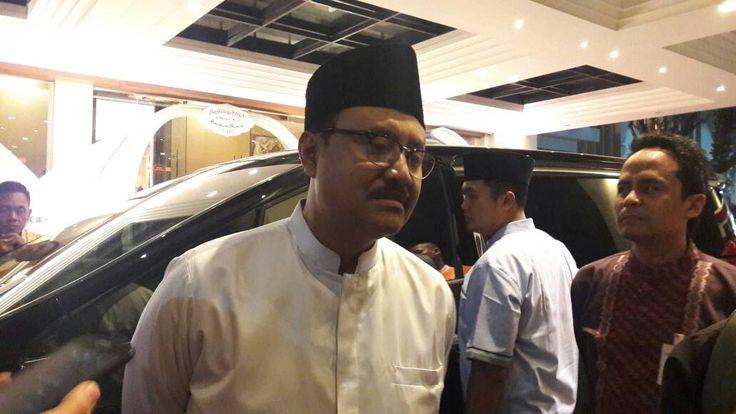 Gus Ipul: Simpan Uang di Bank, Bukan di Bawah Bantal! https://malangtoday.net/wp-content/uploads/2017/06/gus-ipul-2.jpeg MALANGTODAY.NET – Wakil Gubernur Jawa Timur, Syaifullah Yusuf meminta masyarakat di Jawa Timur untuk dapat menyimpan uangnya di perbankan. Hal tersebut diungkapkan pada kegiatan buka bersama dengan ribuan anak yatim piatu dan kalangan kurang mampu, di Hotel Harris, Senin (19/6)... https://malangtoday.net/malang-raya/kota-malang/gus-ipul-simpan-uang-