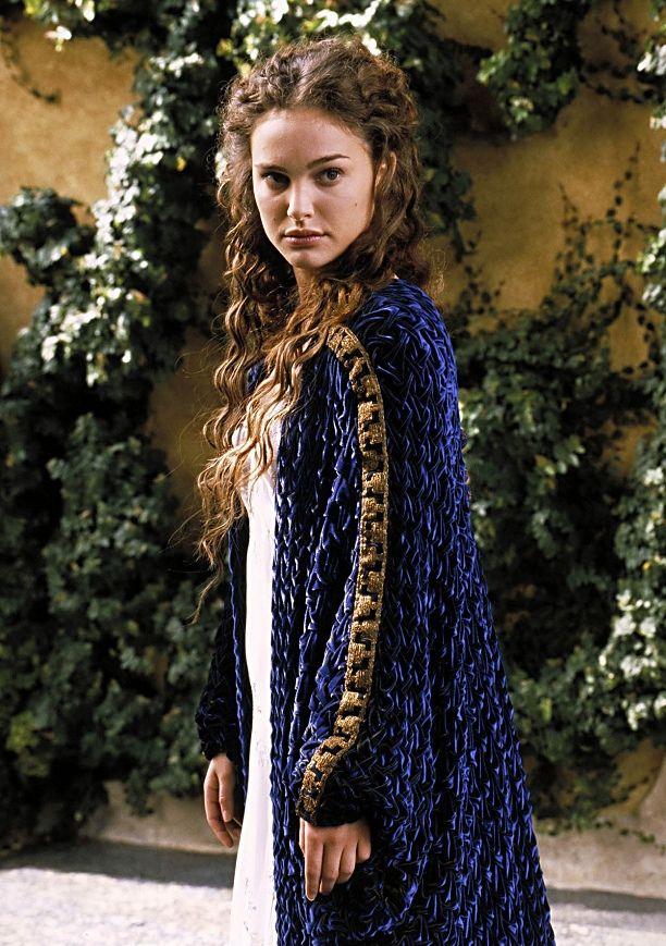Senator padme amidala in nightgown on naboo star wars - Princesse amidala star wars ...