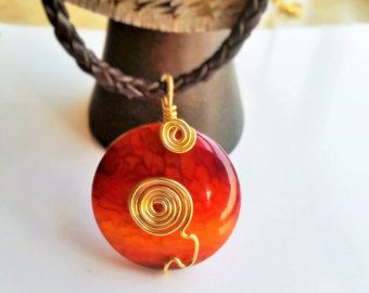 Check out Red Agate Necklace, Red Agate Pendant, Retro Agate Jewelry, Gold Wirewrap Pendant, Wirewrap Agate Pendant, Agate Statement Jewelry on myera4u