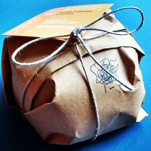 E anche quest'anno si mangia il panettone. #panettone #sottosopra #natalesottosopra #natale #christmascake