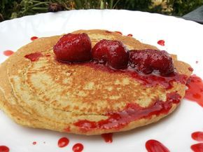 MARI PLATEAU: Τηγανίτες μόνο με νιφάδες βρώμης και σάλτσα φράουλ...