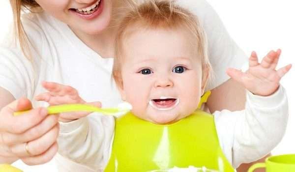 ما هو الطعام الصحي للأطفال الرضع In 2020 Banana Baby Food Food And Drink Quick Breakfast Recipes