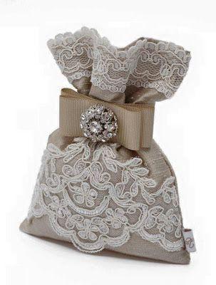 Una forma muy económica, fácil y muy linda de presentar los recuerditos de bodas, XV años, baby showers, bautizos o cualquier regalo, es en ...