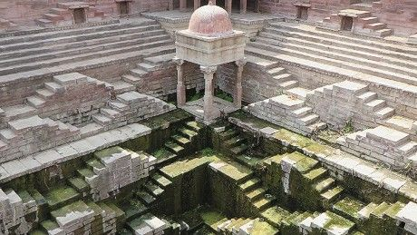 Victoria Lautman has visited over 120 stepwells in India and photographs the crumbling, abandoned sites.