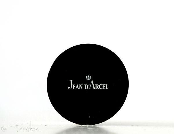 Wir möchten Euch heute zwei Foundations aus dem Hause JEAN D'ARCEL vorstellen. Dabei handelt es sich um eine flüssiges sowie um ein Mineral- Make-up. Wir testen diese Produkte gerade und möchten Ech dies aber vorab schon mal kurz vorstellen. Die Testergebnisse gibt es dann in Kürze. – Betis Testbar