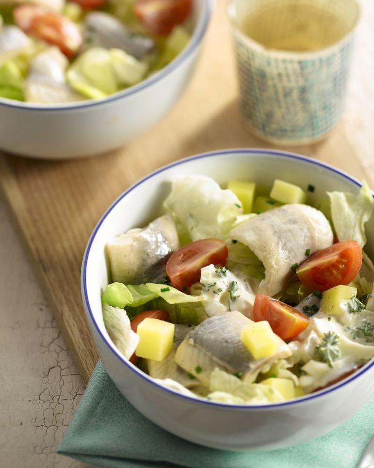Een Scandinavisch geïnspireerd gerecht, deze aardappelsalade met rolmops en lekkere zelfgemaakte tartaarsaus. Lekker fris!