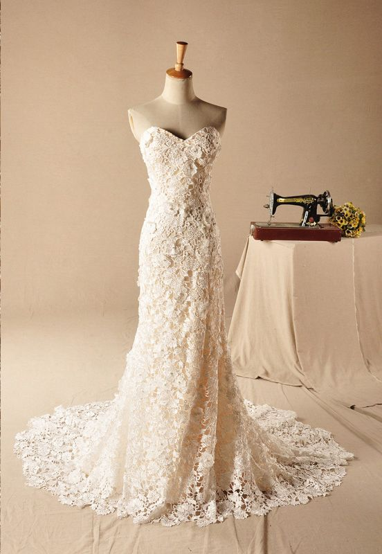 Romantic sweetheart venice lace slim dress