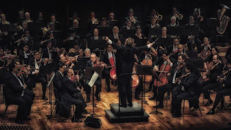 """Gala musical de la OSX en el Festival Cultural Tlaxcala Capital 2014      * En el CCU de la UAT, ejecutarán el concierto para seis guitarras y orquesta de cuerdas: """"Xalapango"""", del compositor mexicano Gerardo Tamez y la Sinfonía Número 2 de Sergei Rachmaninoff."""
